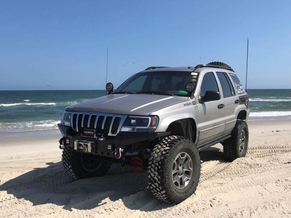 Trail Forged Customer Doug with high wings, stubby bumper, and radiator support